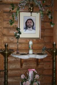 Шевкунов_внутри храма в д.Петропавловка